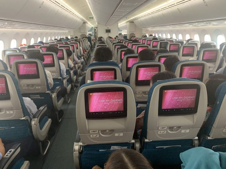 Quảng cáo LCD trên máy bay