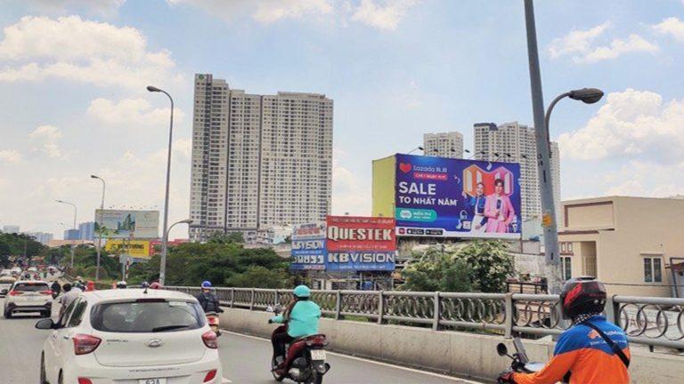 Pano Ốp Tường Tại Chân Cầu Kênh Tẻ – Quận 7 – Tp. Hồ Chí Minh