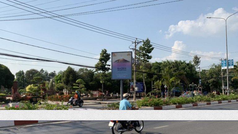 Hộp Đèn Con Lươn Tại Quốc Lộ 22 – Xuyên Á – Huyện Gò Dầu – Tỉnh Tây Ninh