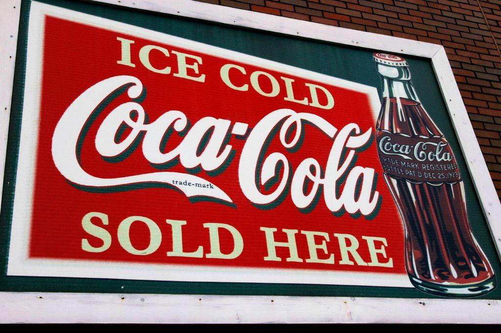 Primary brand mark thương hiệu Coca-cola